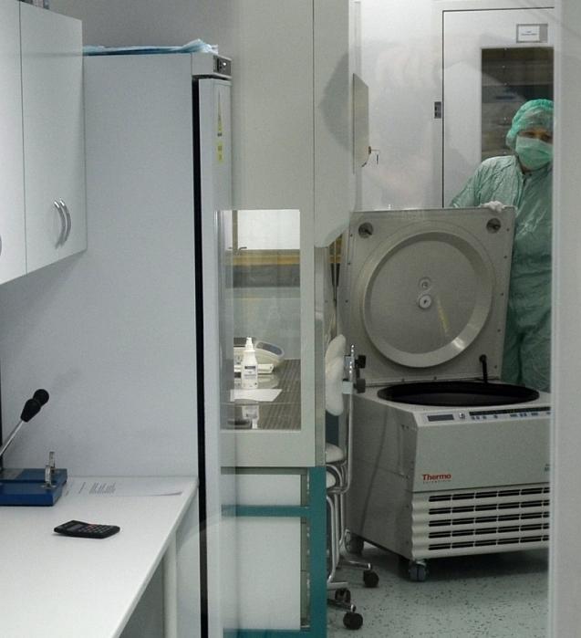 Centrifuga Multifuge 4 KR v čistých prostorách třídy C.